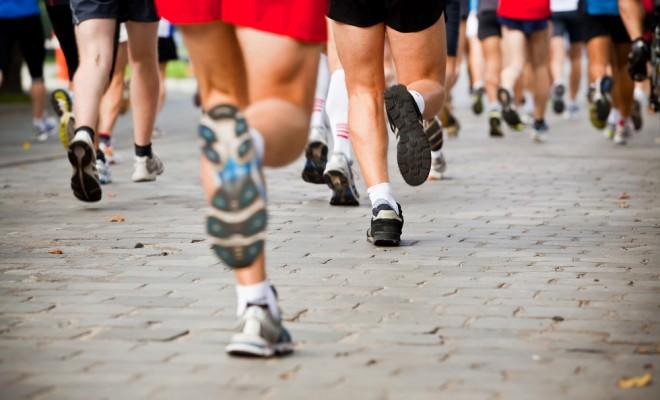 people-running-city-marathon-660x400