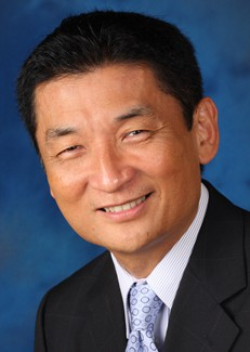 Bill Imada speaks at EOU