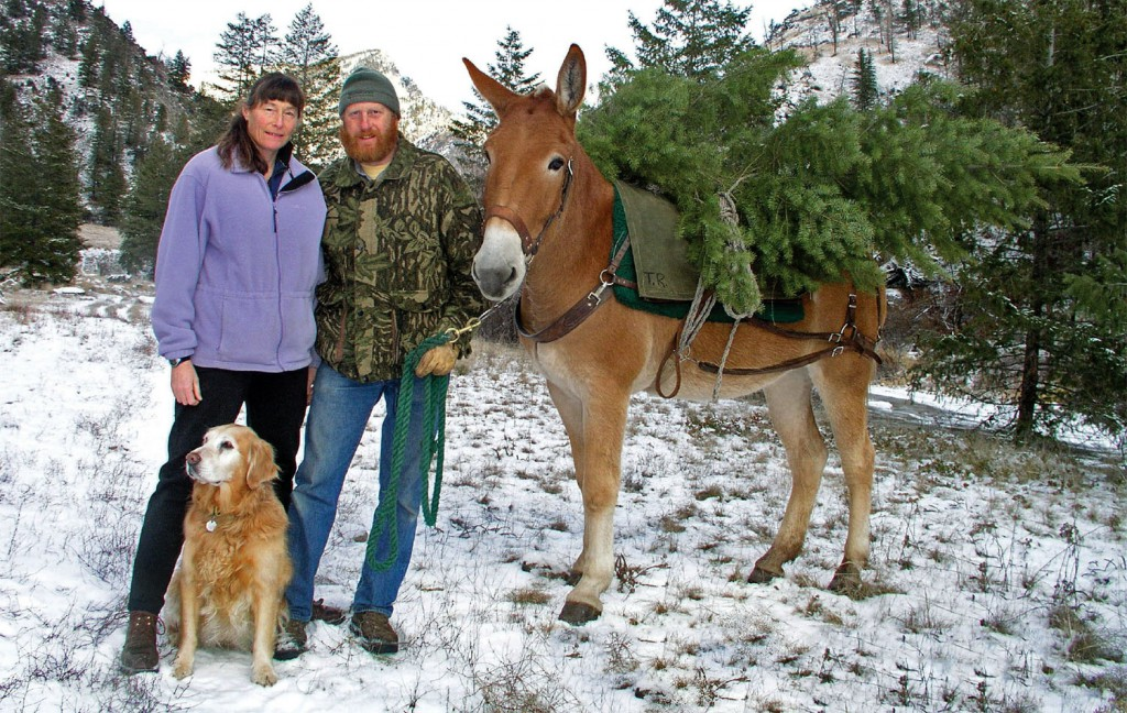 """Wildlife biologists Jim and Holly Akenson are giving a presentation on their new book, """"7003 Days,"""" November 30 at EOU."""