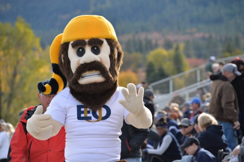 monty_EOU_homecoming_sports_college