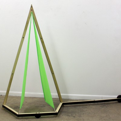 Minimal flier sculpture by Jon Lundak