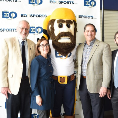Gov KB with EOU deans and president