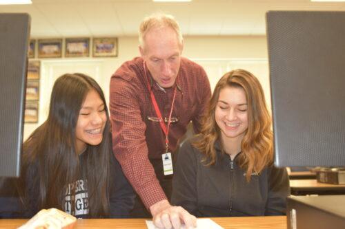 Freshmen recognize high school teachers