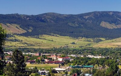 landscape image of the Grand Ronde Valley