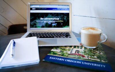 laptop in a coffee shop