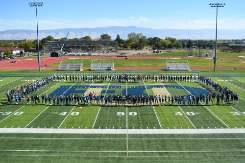 2021 freshman class on football field