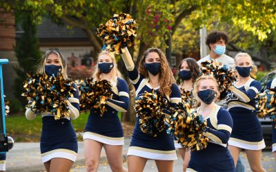 EOU cheerleaders in a parade